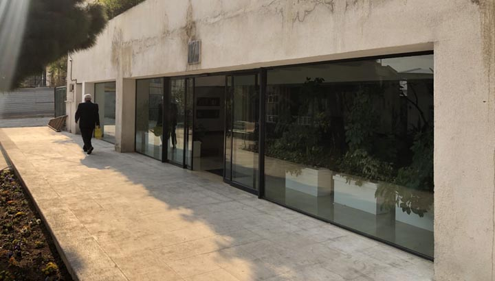 در ورودی ساختمان - قبل